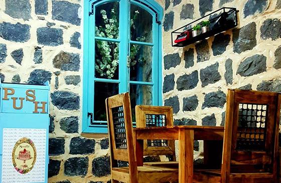 בית קפה בכפר כמא